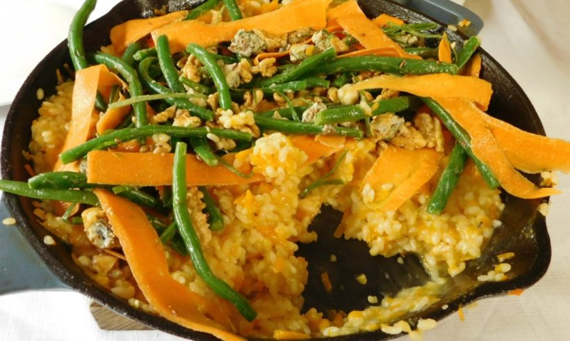 Carrot risotto topped with a cumin & gorganzola salad – FODMAP friendly