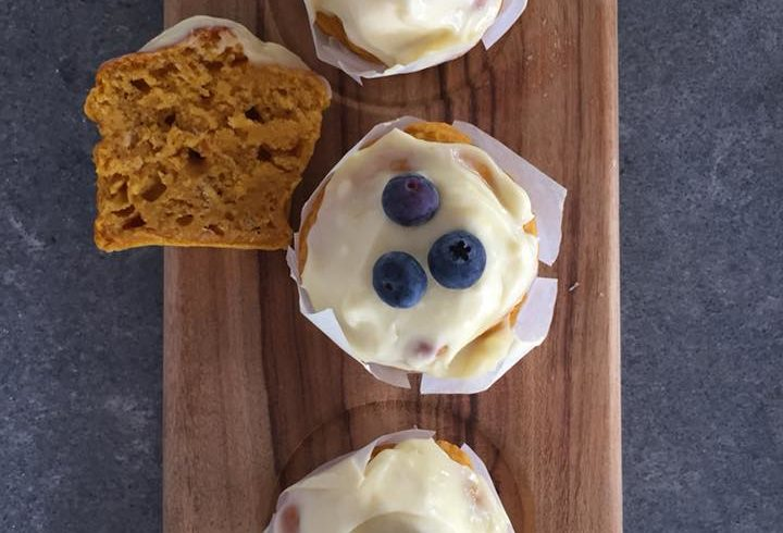 Anna's pumpkin pie muffins with lemon marscapone icing